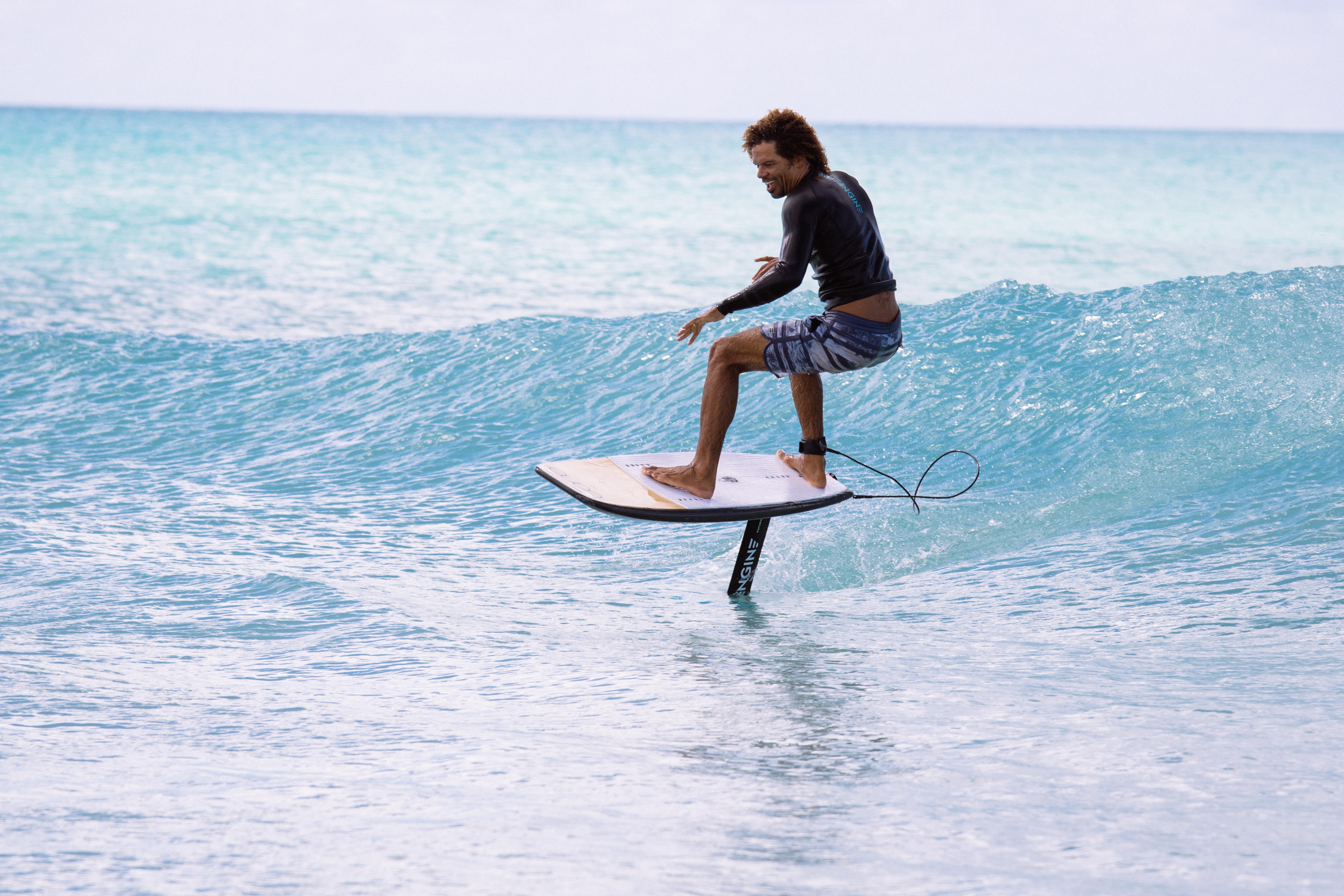 dre foil surfing